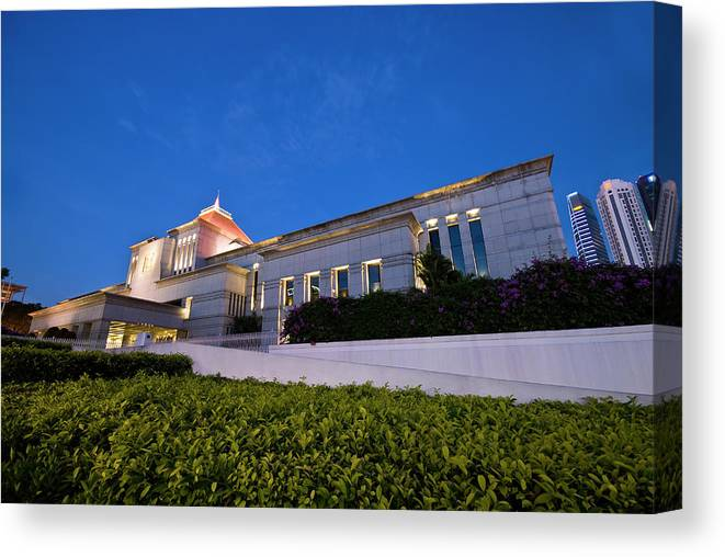 Parliament Of Singapore Canvas Print featuring the photograph The Parliament by Ng Hock How