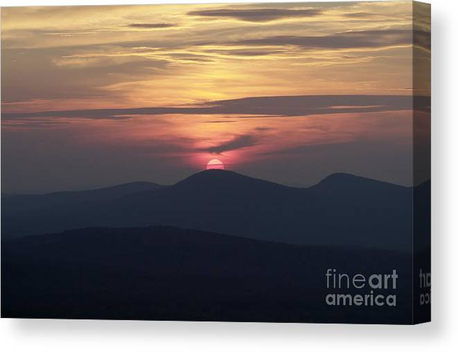 Alpenglow Canvas Print featuring the photograph White Mountains Nh - Sunset by Erin Paul Donovan