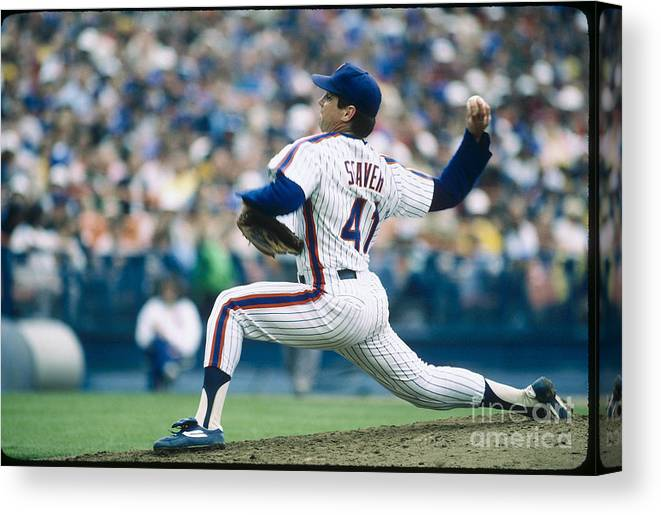 Tom Seaver Canvas Print featuring the photograph Mlb Photos Archive 73 by Rich Pilling