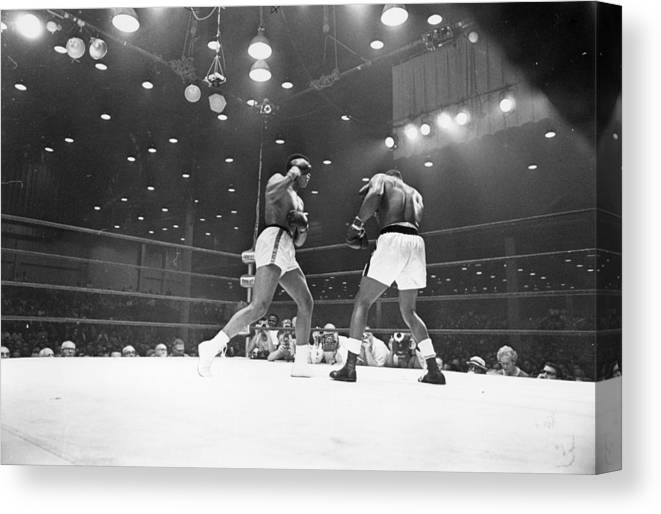 People Canvas Print featuring the photograph Heavyweight Title by Harry Benson