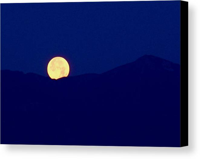 Full Moon Canvas Print featuring the photograph Moonset by Rona Black