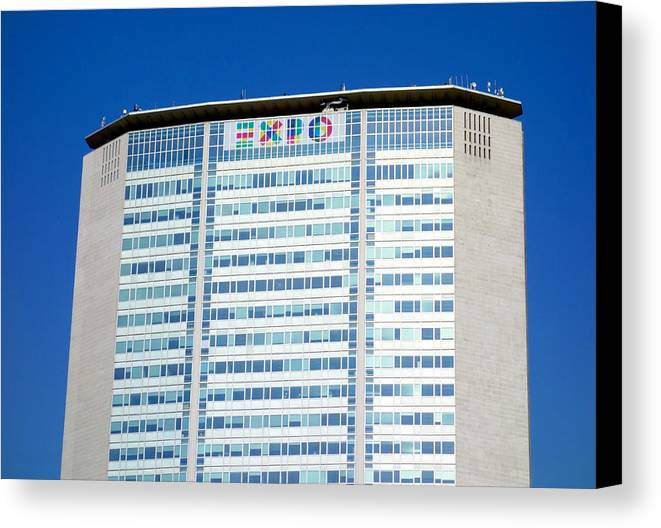 2015 Canvas Print featuring the photograph Pirelli Building by Valentino Visentini