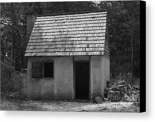 Canvas Print featuring the photograph Wormsloe Cottage In Black And White by Suzanne Gaff