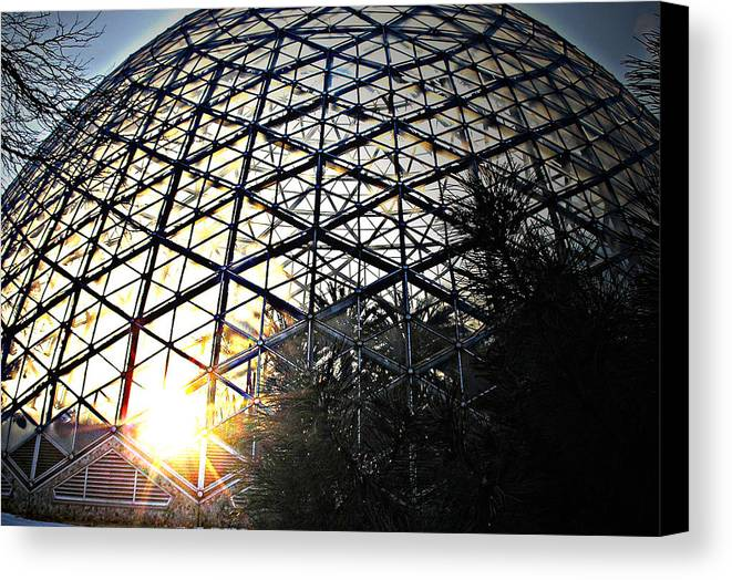 Sunset Canvas Print featuring the photograph Milwaukee Sunset by Terence McSorley