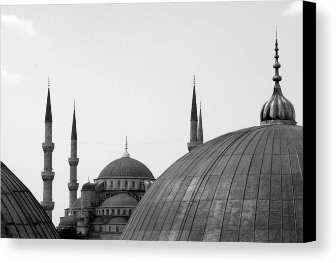 Horizontal Canvas Print featuring the photograph Blue Mosque, Istanbul by Dave Lansley