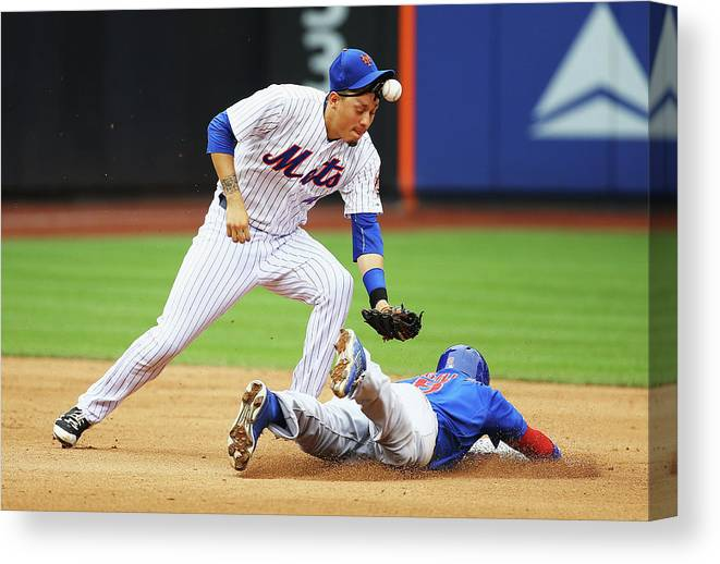 People Canvas Print featuring the photograph Chicago Cubs V New York Mets 1 by Al Bello
