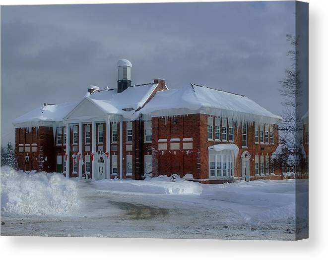 Glenfield Elementary Canvas Print featuring the photograph Glenfield Elementary School by Dennis Comins