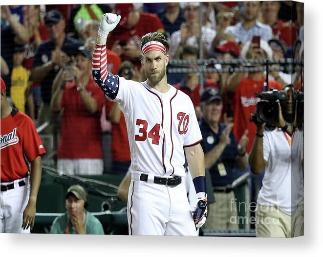 Three Quarter Length Canvas Print featuring the photograph T-mobile Home Run Derby 1 by Rob Carr