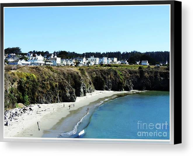 Towns Canvas Print featuring the photograph Mendocino by Leslie Hunziker