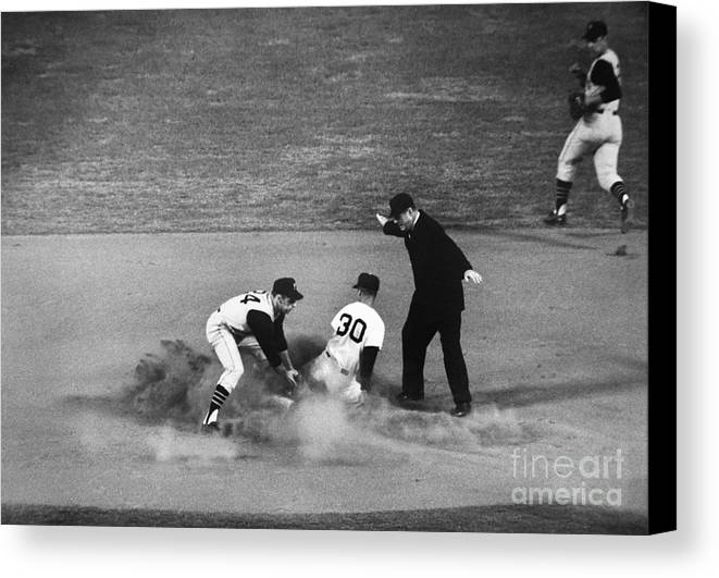 1962 Canvas Print featuring the photograph Maury Wills (1932- ) by Granger