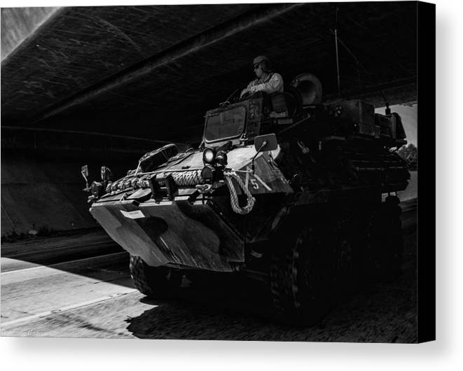 2014 Canvas Print featuring the photograph Usmc Lav-25 by Tommy Anderson