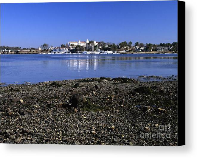 New Castle Canvas Print featuring the photograph Wentworth By The Sea Hotel - New Castle New Hampshire Usa by Erin Paul Donovan