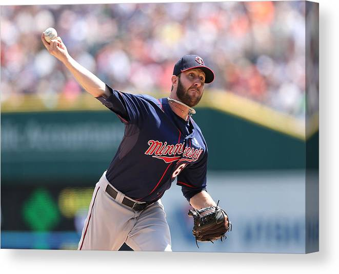 American League Baseball Canvas Print featuring the photograph Minnesota Twins V Detroit Tigers 5 by Leon Halip