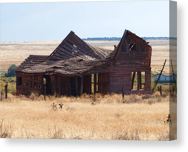 Landscape Canvas Print featuring the photograph This Old House by Martin Micale