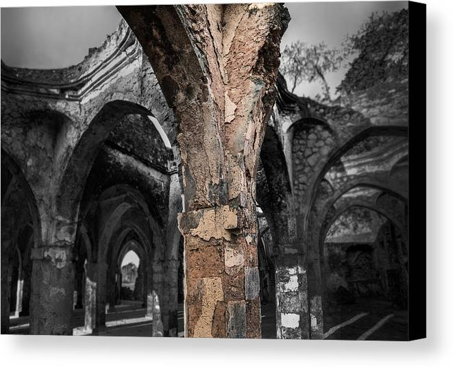 Kilwa Kisiwani Canvas Print featuring the photograph Great Mosque Of Kilwa by Luca Benazzi