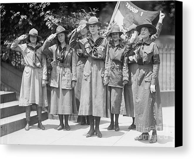 History Canvas Print featuring the photograph Juliette Daisy Low, Founder Of The Girl by Photo Researchers