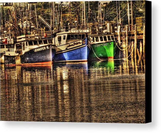 Ocean Canvas Print featuring the photograph Portsmouth Boats by Michael Edwards