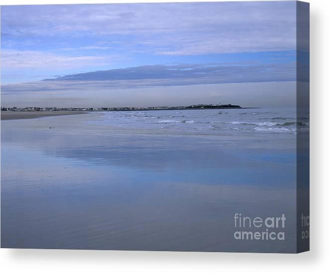 Beach Canvas Print featuring the photograph Hampton Beach New Hampshire Usa by Erin Paul Donovan
