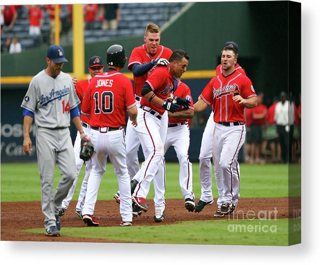 Atlanta Canvas Print featuring the photograph Los Angeles Dodgers V Atlanta Braves by Joe Murphy