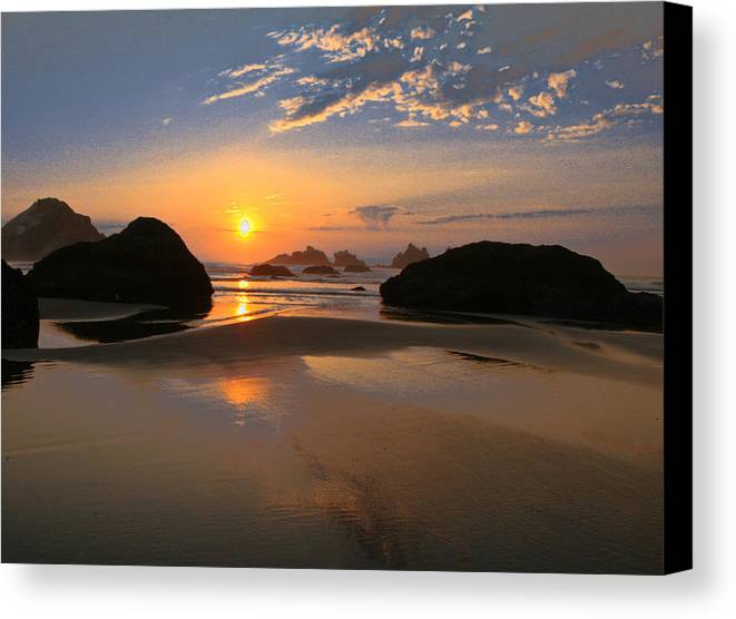 Scenic Canvas Print featuring the photograph Bandon Scenic by Jean Noren