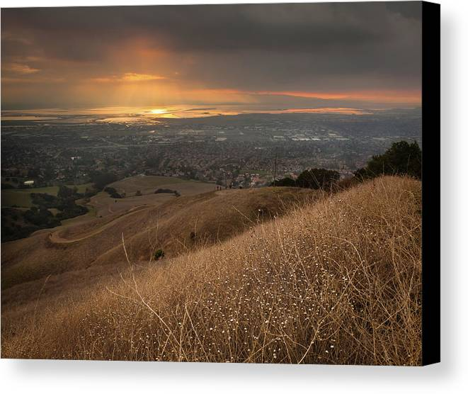 Horizontal Canvas Print featuring the photograph Golden Sunset Over San Francisco Bay by Sean Duan