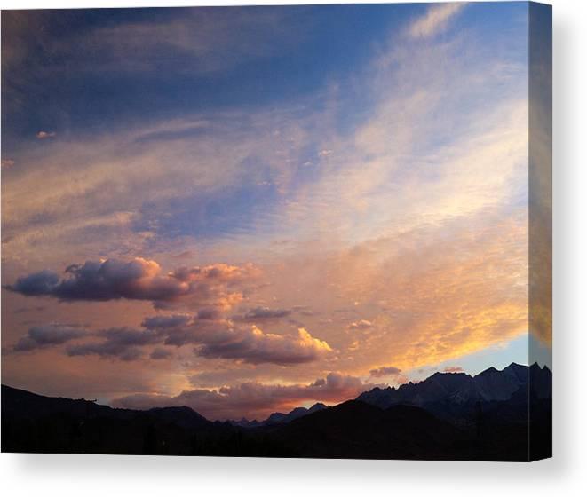 California Sunset Canvas Print featuring the photograph Sundown On The Sierras by Joe Schofield