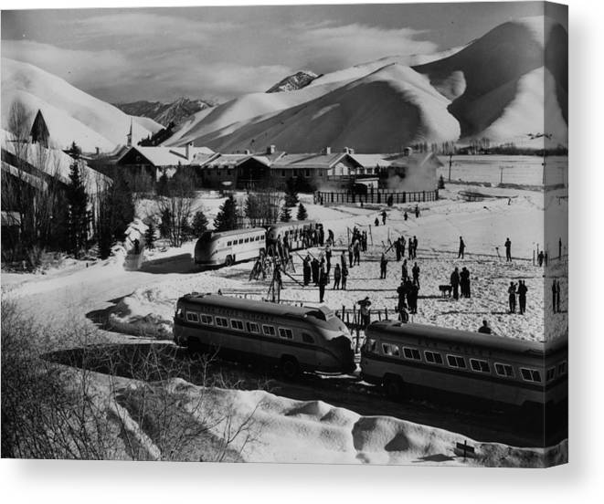 Skiing Canvas Print featuring the photograph Idaho Resort by Keystone