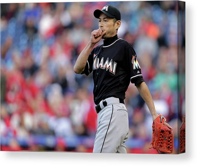 Three Quarter Length Canvas Print featuring the photograph Ichiro Suzuki by Adam Hunger