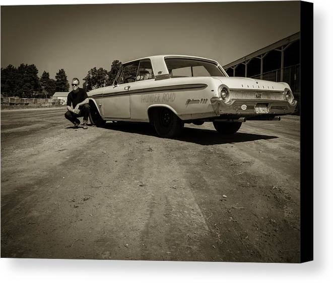 Ford Galaxie 500 Canvas Print featuring the photograph Ford Galaxie 500 5 by Thomas Young