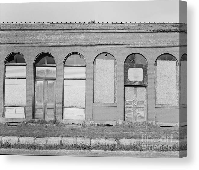 Doors Canvas Print featuring the photograph Arches Of Yesterday by Randy W Riddle