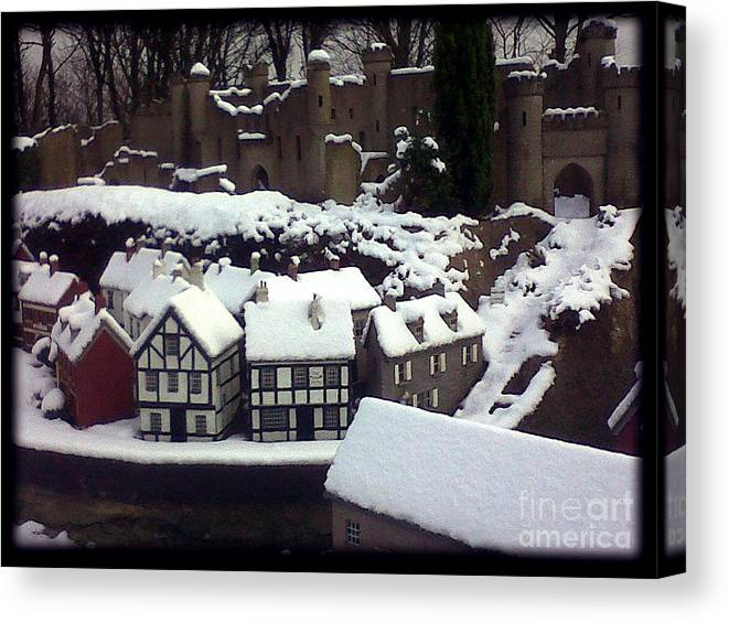 Miniature Village Tearooms Sewerby Bridlington Canvas Print featuring the photograph Bondville Model Village by Merice Ewart