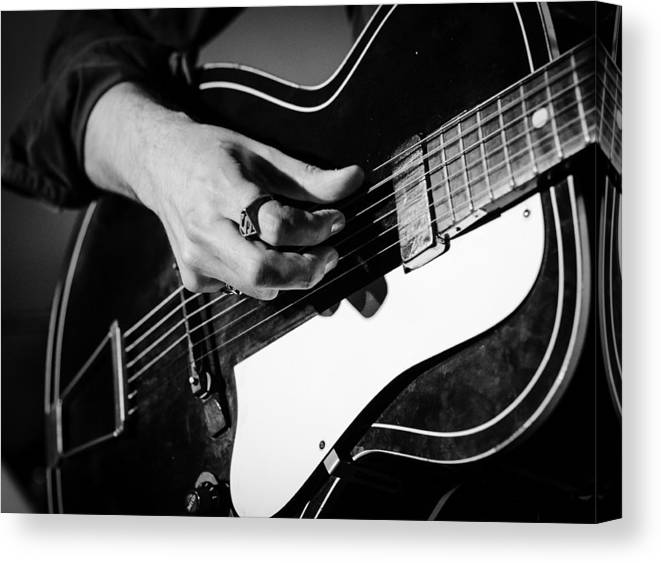 Black And White Canvas Print featuring the photograph Stella Burns - Guitar Close-up by Andrea Mazzocchetti