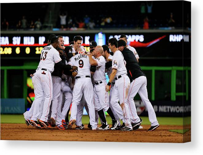 Ninth Inning Canvas Print featuring the photograph New York Mets V Miami Marlins by Rob Foldy