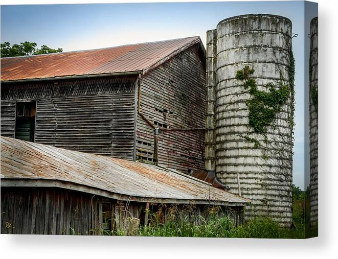 Shenandoah Valley Canvas Print featuring the photograph Abandoned Barn by Pat Scanlon
