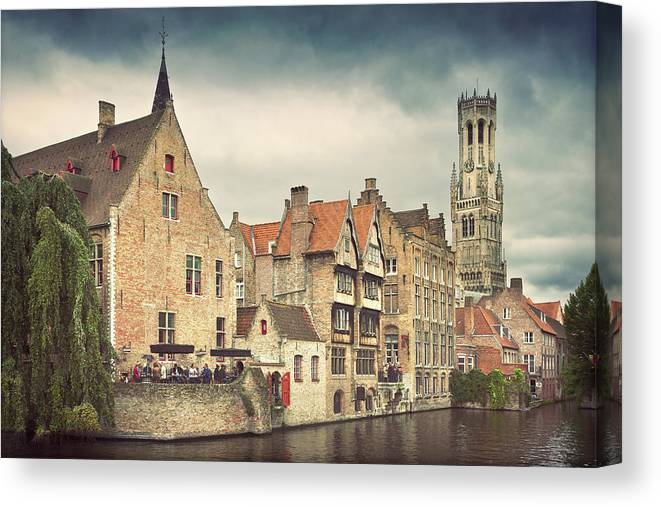 Tranquility Canvas Print featuring the photograph Brugge by Ellen Van Bodegom