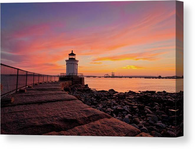 Built Structure Canvas Print featuring the photograph Bug Light Sunrise 1899 by Www.cfwphotography.com