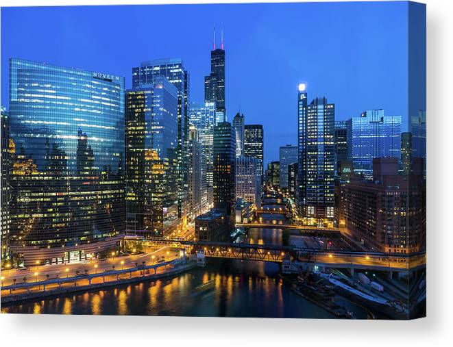 Tranquility Canvas Print featuring the photograph Chicago Skyline by Michael Lee