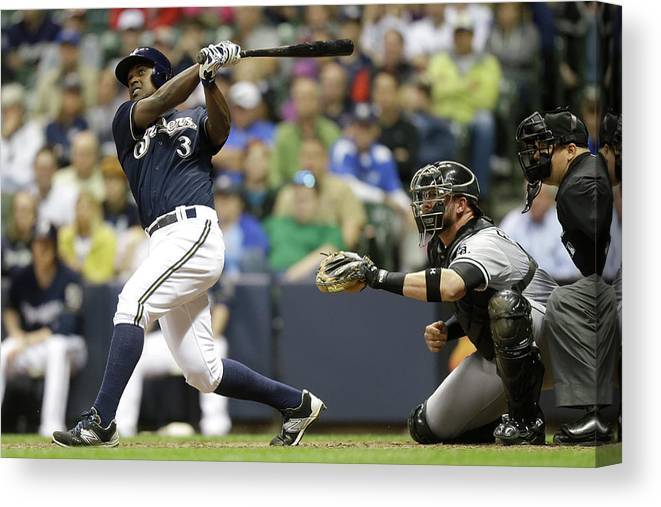American League Baseball Canvas Print featuring the photograph Chicago White Sox V Milwaukee Brewers by Mike Mcginnis