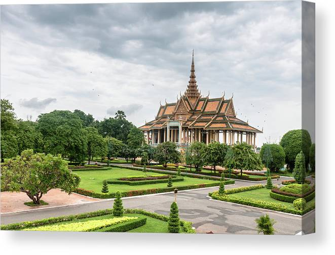 Southeast Asia Canvas Print featuring the photograph Gardens At The Royal Palace In Phnom by Tbradford