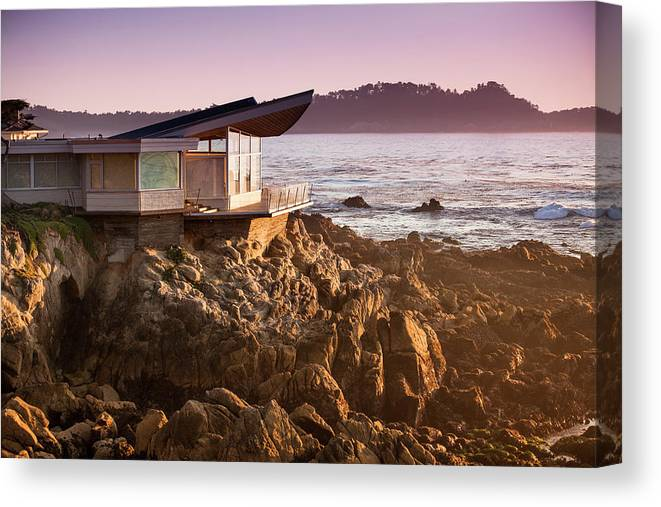 Water's Edge Canvas Print featuring the photograph Luxury Home Overlooks The Big Sur by Pgiam