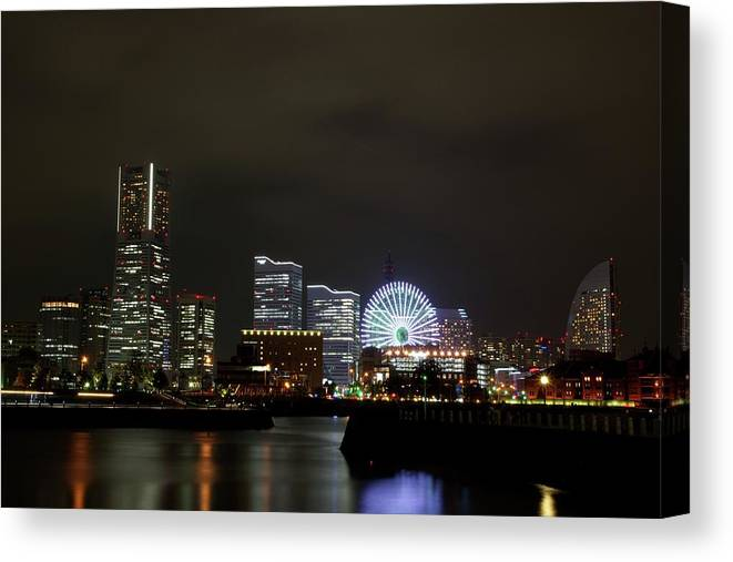 Tranquility Canvas Print featuring the photograph Minato-mirai by Takuya.skd