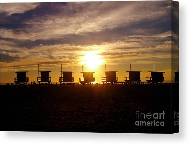Sunset Canvas Print featuring the photograph Sunset At Venice Beach by Jerome Stumphauzer