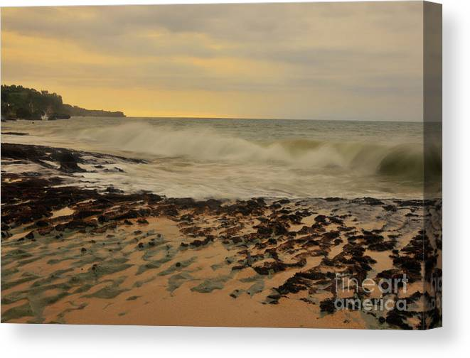 Sunset Canvas Print featuring the photograph Dreamland Beach by Wayan Suantara
