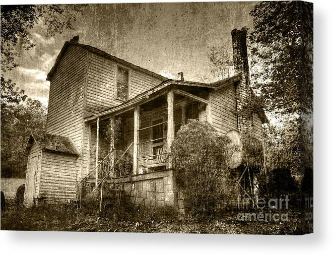 Old House Canvas Print featuring the photograph The Home Place by Pete Hellmann