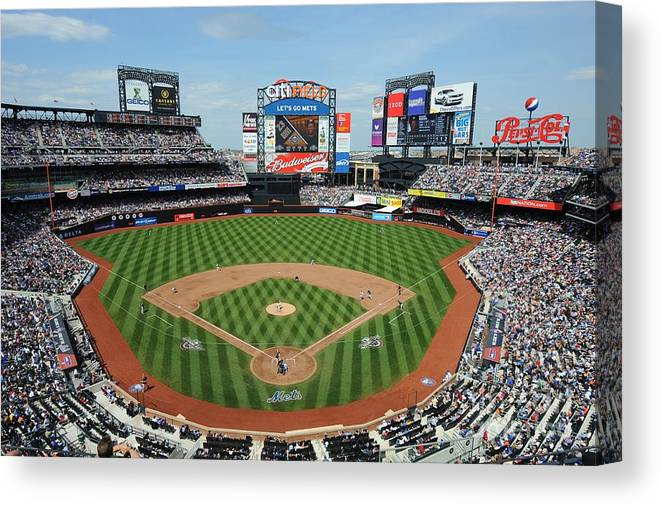 Citi Field Canvas Print featuring the photograph Milwaukee Brewers V New York Mets by Rich Pilling