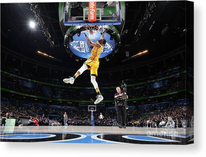 Nba Pro Basketball Canvas Print featuring the photograph Sprite Slam Dunk Contest by Andrew D. Bernstein