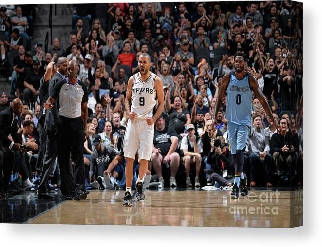Nba Pro Basketball Canvas Print featuring the photograph Memphis Grizzlies V San Antonio Spurs by Mark Sobhani