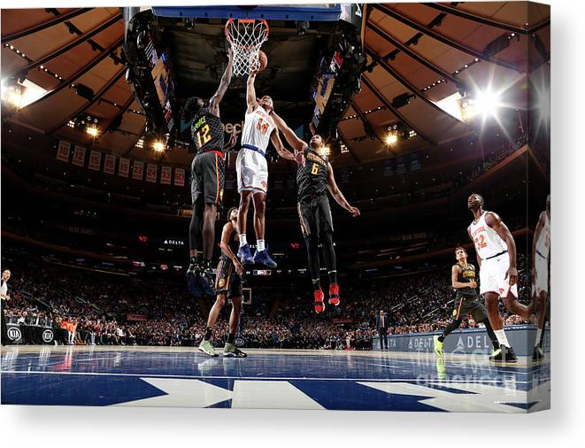 Nba Pro Basketball Canvas Print featuring the photograph Atlanta Hawks V New York Knicks by Nathaniel S. Butler