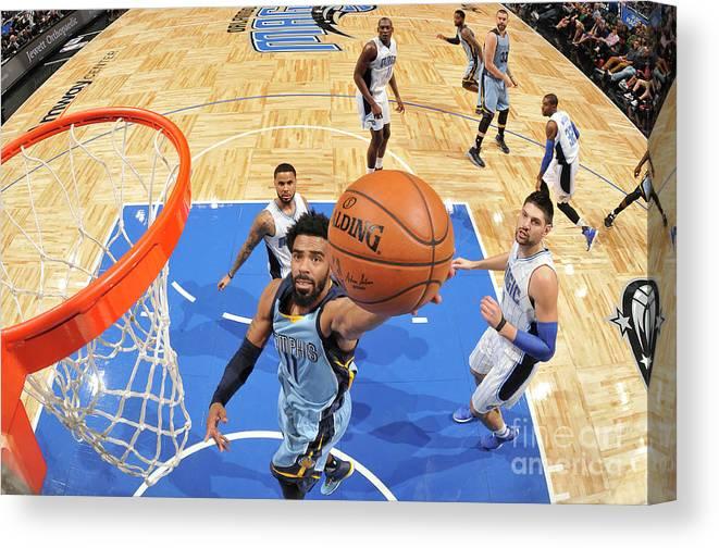 Nba Pro Basketball Canvas Print featuring the photograph Memphis Grizzlies V Orlando Magic by Fernando Medina