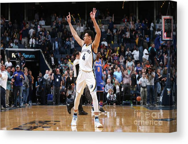 Nba Pro Basketball Canvas Print featuring the photograph New York Knicks V Memphis Grizzlies by Joe Murphy
